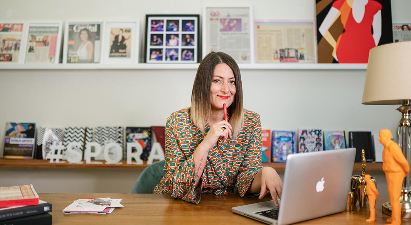 Foto de Veronica Benini Spora-em seu escritório em Milão