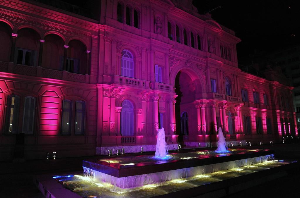 casa rosada outubro rosa