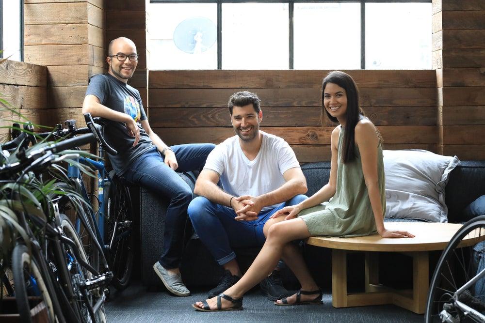 Cofundadores Camerom Adams, Cliff Obrecht e Melanie Perkins