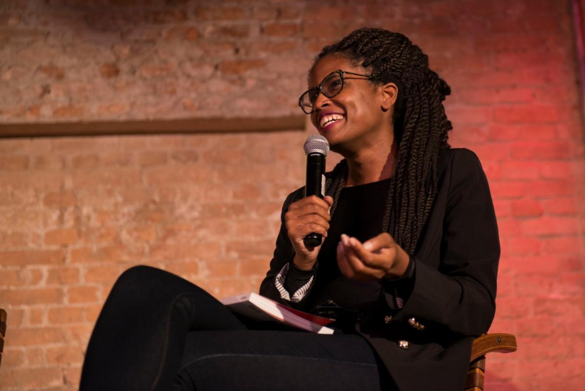 Escritora Djmila Ribeiro. Escritoras Negras