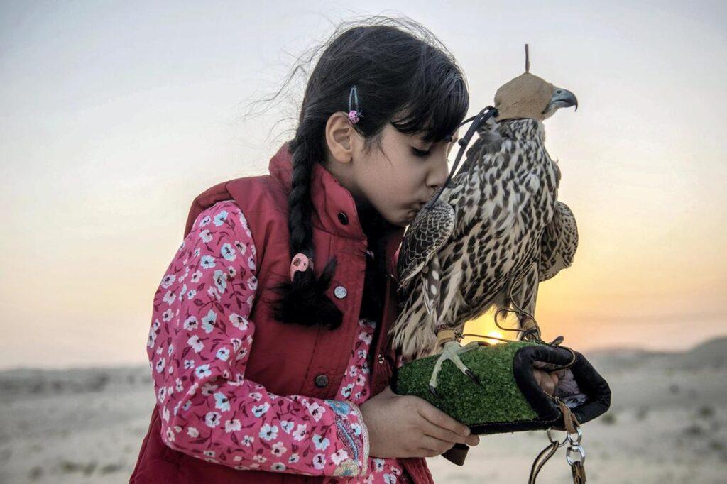 Mulheres e falcões, Osha Al Mansoori